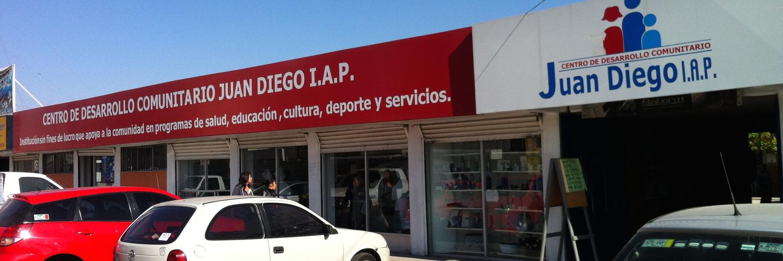 Ventanales en el que los habitantes pueden ver las actividades dentro del Centro Comunitario Juan Diego
